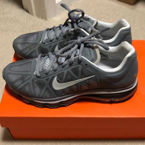 EUC Nike Air Max Grey Sneaker
